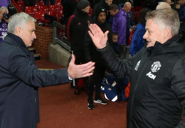'Mourinho không thể phàn nàn bất cứ điều gì' - Bóng Đá
