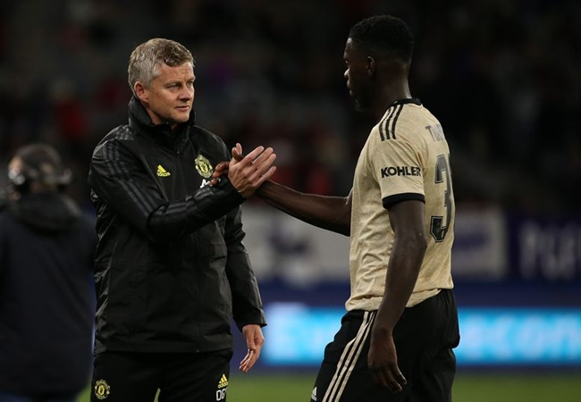 Manchester United staff credit John Terry with transforming Axel Tuanzebe into a 'leader' - Bóng Đá