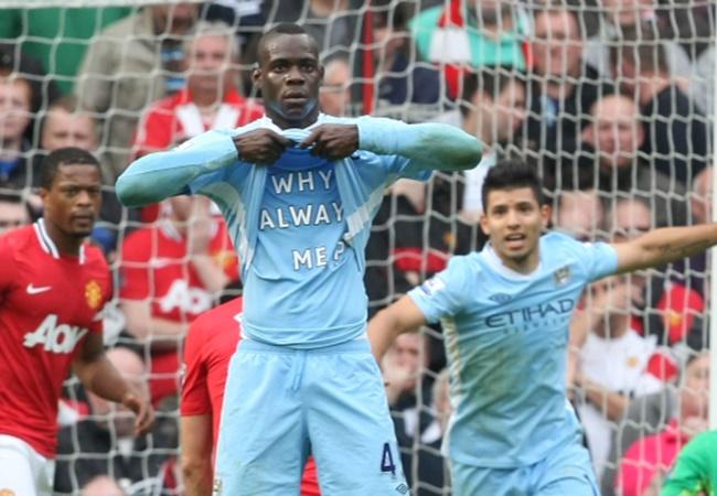 10 hình ảnh 'bùng nổ' derby Manchester: Tượng đài Rooney; 'Why Always Me?' - Bóng Đá