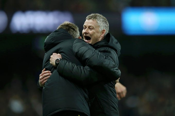 Manchester United fans hail Ole Gunnar Solskjaer for defeating both Guardiola & Mourinho within three days - Bóng Đá
