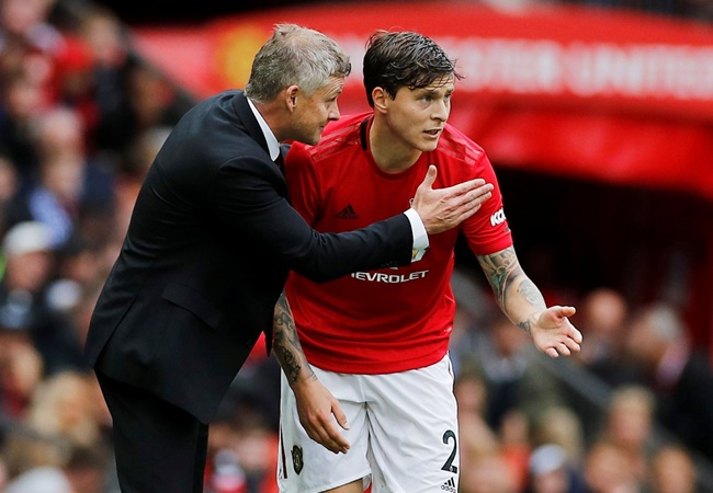 Victor Lindelof praises Ole Gunnar Solskjaer's 'brave' tactical decision that set up Manchester United win - Bóng Đá