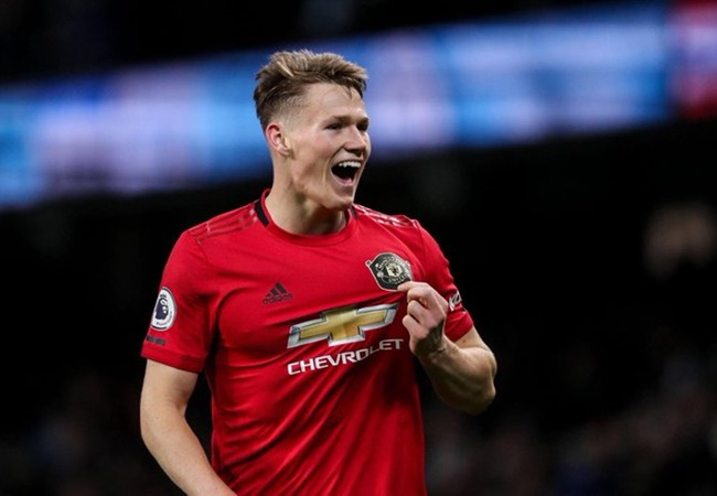 Manchester United 'ready to double Scott McTominay's wages to £60,000-per-week' after the midfield academy product's strong start to the season - Bóng Đá