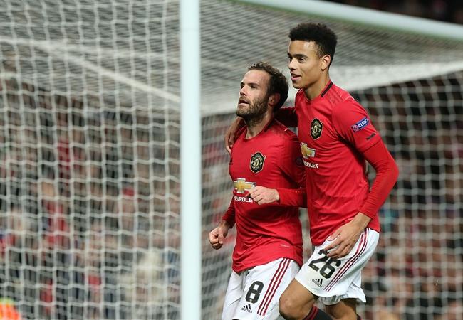 Hargreaves explains why he was so impressed with Man Utd against AZ - Bóng Đá