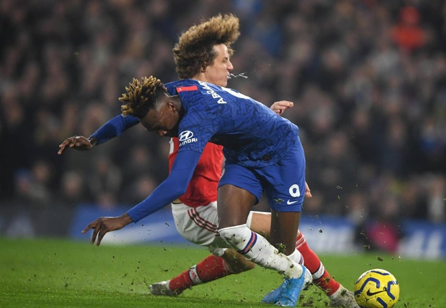 Đêm điên rồ của Premier League: '1 phút 2 bàn', trượt chân và thẻ đỏ - Bóng Đá