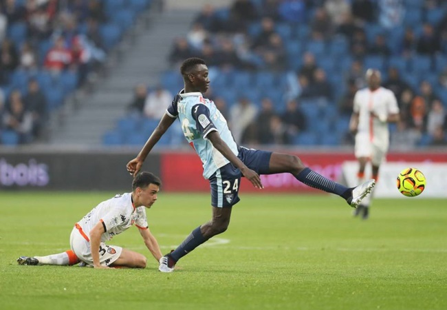 Arsenal are on the verge of an agreement worth £5m with Ligue 2 side Le Havre for 21-year-old midfielder Pape Gueye - Bóng Đá