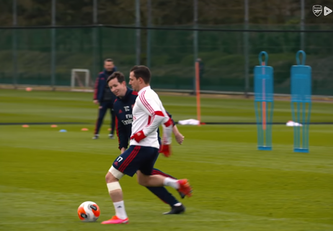 Shkodran Mustafi and Cedric Soares return to training ahead of Arsenal vs West Ham - Bóng Đá