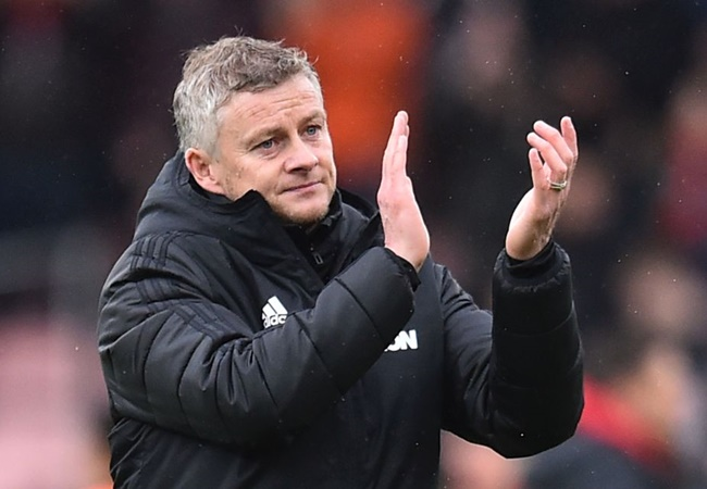 Solskjaer: Wives and girlfriends can help Man United players with drills - Bóng Đá