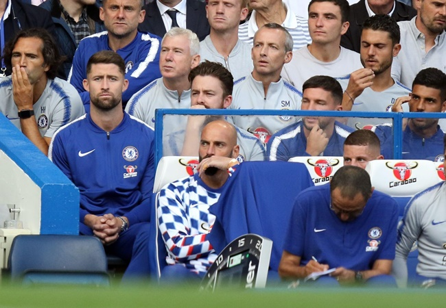 Gary Cahill blasts former Chelsea boss Maurizio Sarri - Bóng Đá