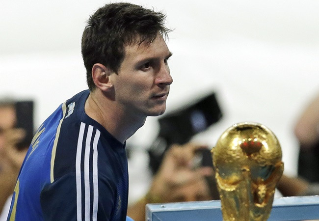 Từ Ballack đến Messi: 8 khoảnh khắc 'đau lòng' của những kẻ bại trận - Bóng Đá