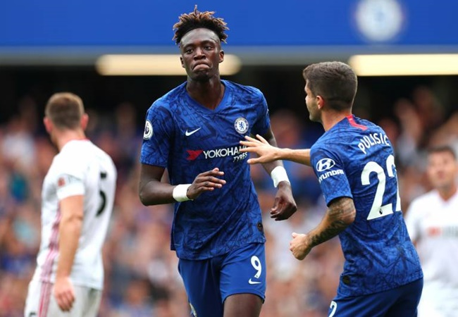 Abraham aware of 'big boots to fill' as Chelsea No.9 and admits to lacking confidence in the past - Bóng Đá