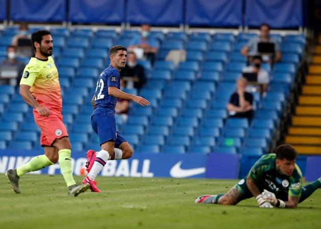 Đoàn quân của HLV Frank Lampard là những người mở tỉ số trước ở phút thứ 36. Sau pha thoát xuống ấn tượng, Chrisitan Pulisic có pha dứt điiểm nhẹ nhàng đánh bại thủ môn Ederson Moraes.