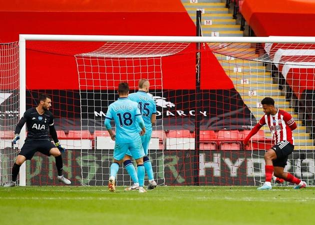 'Ác mộng' VAR hiện về, Tottenham thua thảm trên sân Sheffield - Bóng Đá