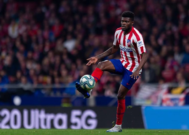 Romano: Arsenal are 'trying' to sign Atletico Madrid midfielder Thomas Partey - Bóng Đá