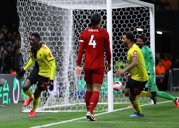 20 khoảnh khắc điên rồ nhất EPL 2019/20 (P1): Pepe 'hạ đẹp' Van Dijk - Bóng Đá