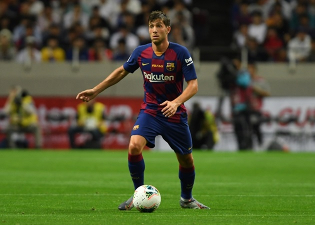 Manchester City 'pushing for a deal to sign Barcelona's Sergi Roberto' but versatile Spaniard is happy to stay put at the Nou Camp - Bóng Đá