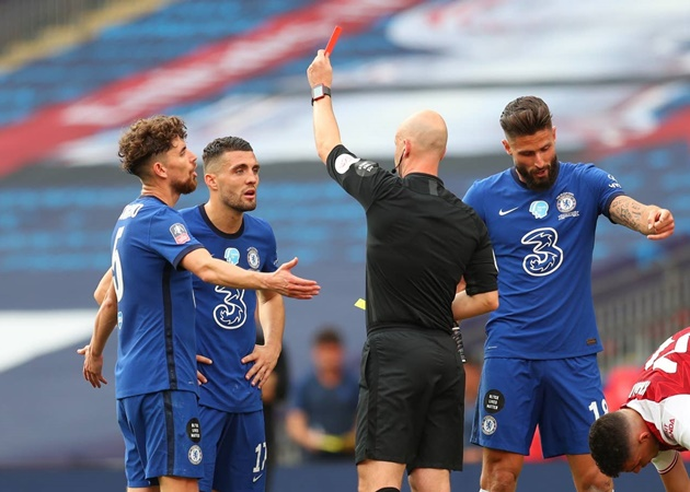 John Terry furious with Anthony Taylor refereeing performance in Chelsea's FA Cup final defeat against Arsenal - Bóng Đá