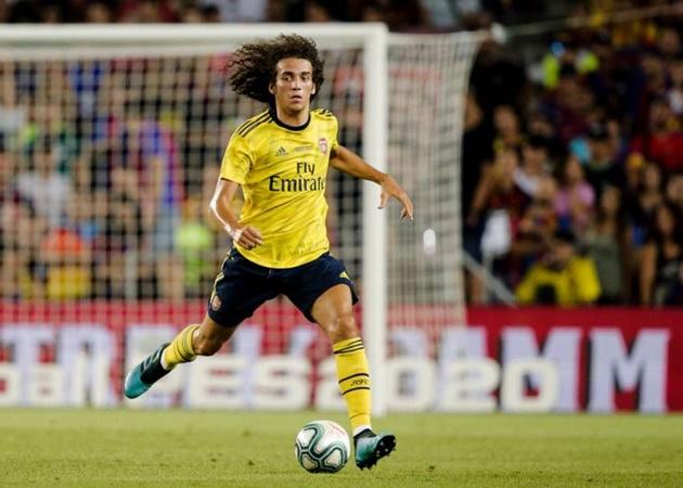 Paris Saint-Germain are considering entering the race for Arsenal midfielder Matteo Guendouzi - Bóng Đá