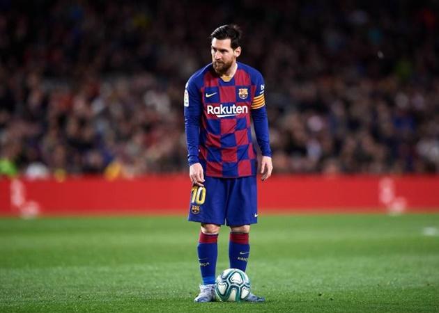 Gary Neville phát biểu sốc về khả năng Messi gia nhập Man City
