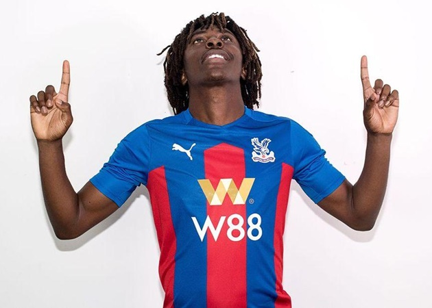 Eberechi Eze là thương vụ đáng chú ý của của Crystal Palace, bởi lẽ The Eagles phải chi 17.8 triệu euro để có được chân sút mới 22 tuổi này.