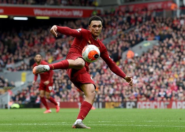 Được EPL vinh danh, 'vua tạt' Liverpool sánh vai với Steven Gerrard - Bóng Đá