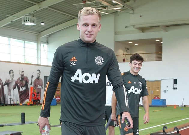 Mike Phelan gives three reasons why Donny van de Beek will succeed at Manchester United - Bóng Đá
