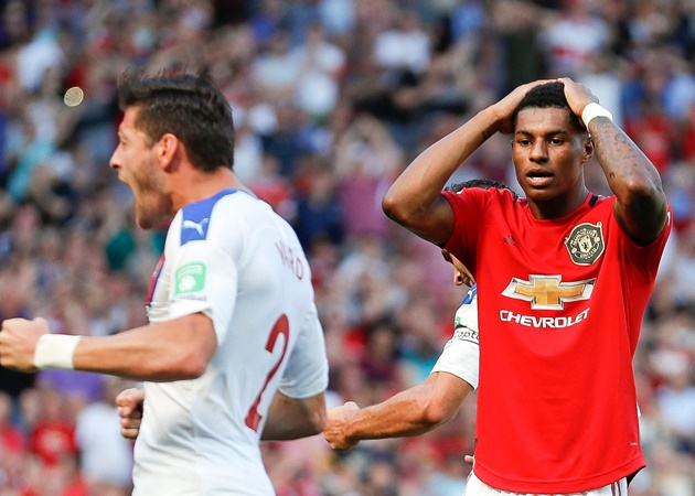 3 sao Man Utd tệ nhất ở trận thua Palace: Lindelof, Pogba và ai nữa? - Bóng Đá