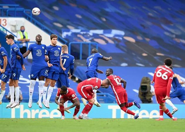 10 hình ảnh ấn tượng vòng 2 EPL: Mane 'nhấn chìm' hàng thủ Chelsea - Bóng Đá