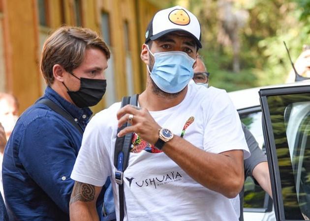 Luis Suarez bị tố gian lận  - Bóng Đá