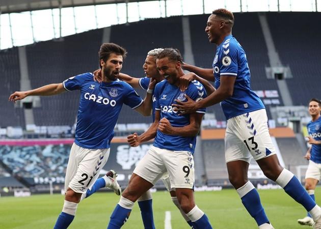 2. Everton đang hướng tới trận thắng thứ hai liên tiếp tại thủ đô London lần đầu kể từ năm 2015. Đoàn quân của HLV Carlo Ancelotti sở hữu phong độ ấn tượng khi vừa thắng West Bromwich Albion 5-2 ở vòng trước.