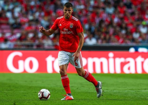 'Đỉnh' như Benfica: 1 năm bán 2 sao 'cây nhà lá vườn', thu về 194 triệu - Bóng Đá
