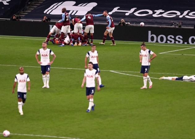 Dẫn 3-0 sau 16 phút, Tottenham vẫn chia điểm trong ngày Bale ra mắt - Bóng Đá