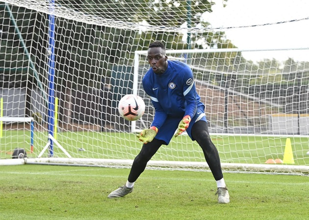Edouard Mendy: I love working with Petr Cech - but I hope Chelsea don't need him! - Bóng Đá