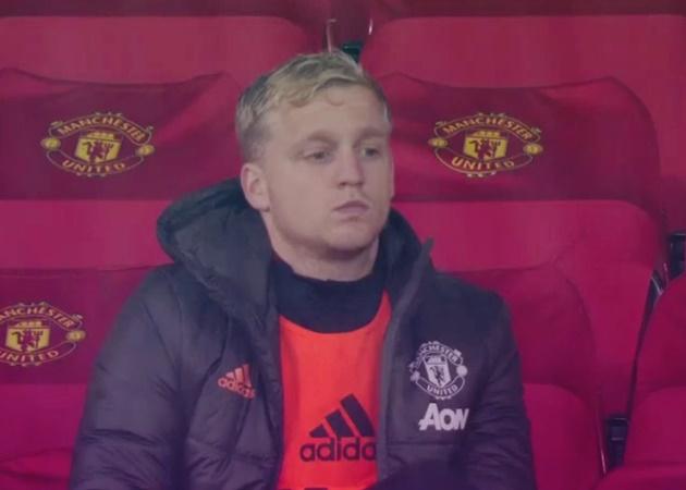Ole Gunnar Solskjaer sends message to Donny van de Beek after leaving him on Manchester United bench - Bóng Đá
