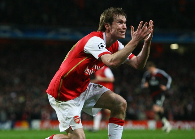 'I cried when I talked to Arsene' - Hleb still doesn't understand why he left Arsenal for Barcelona - Bóng Đá