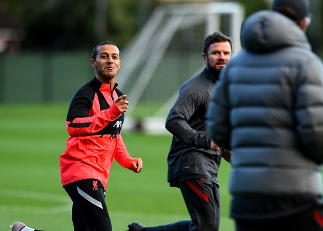 Thiago back to training in Melwood - Bóng Đá
