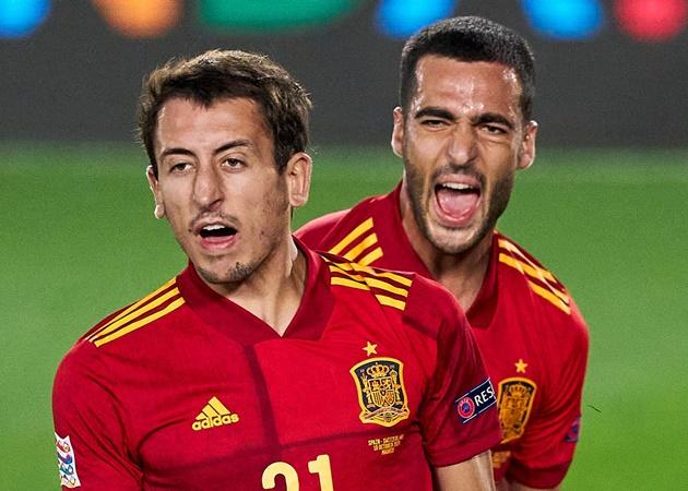 Sao Man City lập hat-trick, Tây Ban Nha 'thảm sát' Đức không tưởng - Bóng Đá