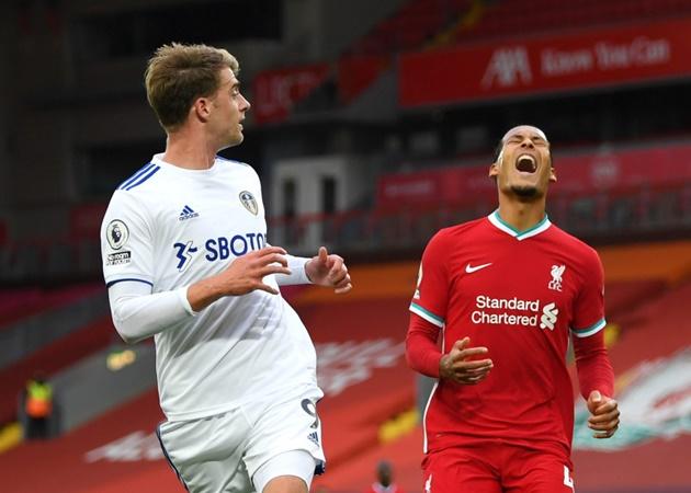 Liverpool hopes of Virgil van Dijk returning this season given major boost after defender starts light recovery training following knee injury - Bóng Đá