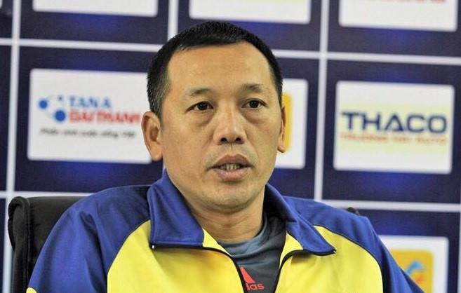 HLV SLNA: 'Đáng ra V.League phải tạm dừng để theo dõi World Cup' - Bóng Đá
