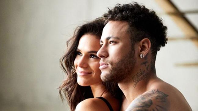 Neymar đăng 'ảnh nóng' với bạn gái mừng ngày tình yêu dù đang tập trung cho World Cup 2018 - Bóng Đá