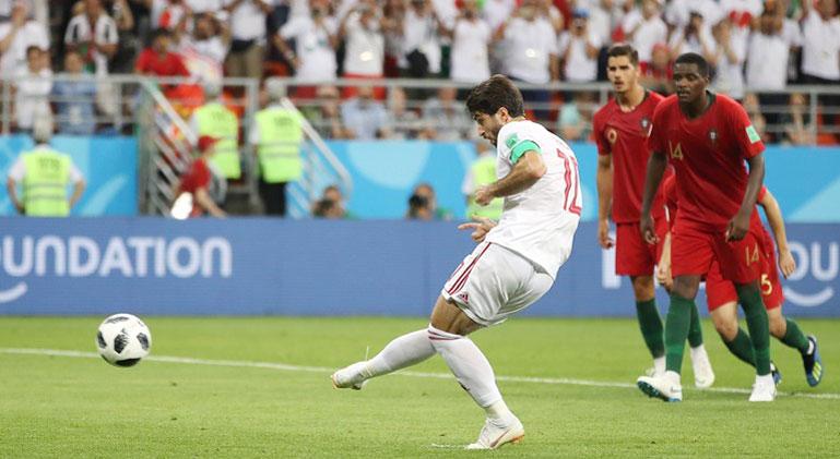 Ronaldo đáng bị thẻ đỏ, VAR là trò hề - Bóng Đá