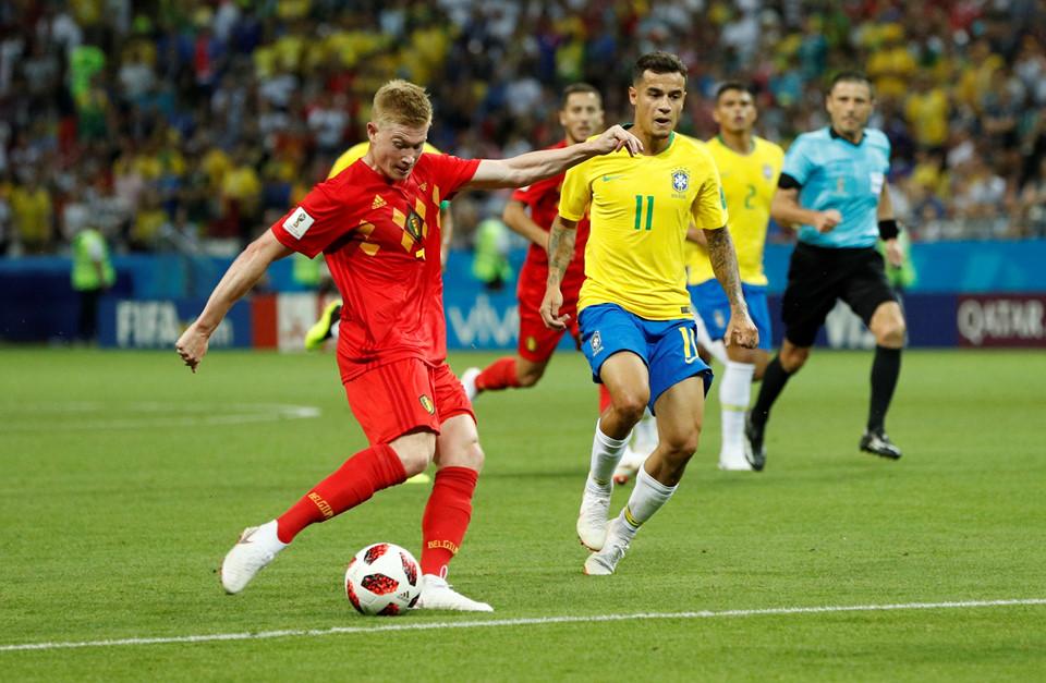 Neymar thẫn thờ, cầu thủ Brazil cúi đầu sau thất bại - Bóng Đá