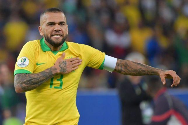 Dani Alves willing to take pay-cut to join Arsenal - Bóng Đá