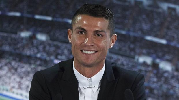 Ronaldo bỏ túi thêm một danh hiệu cá nhân khủng