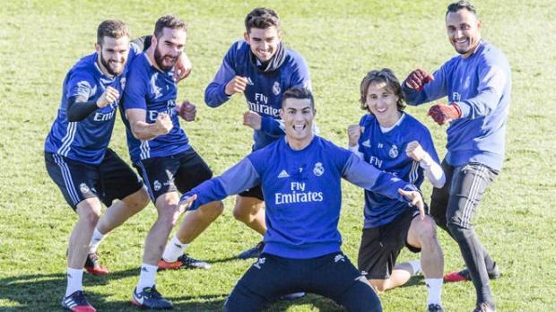 Ronaldo hạnh phúc gửi lời cảm ơn CĐV