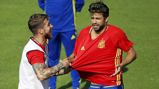 Ramos: Giờ gặp tôi sẽ ôm Pique - Bóng Đá