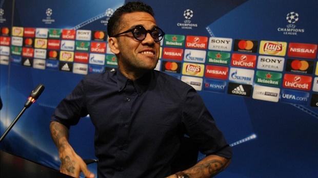 Barca chẳng thiếu gì ngoài Dani Alves - Bóng Đá