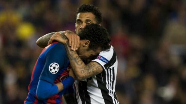 Dani Alves: Loại Barca khiến tôi rất đau lòng - Bóng Đá