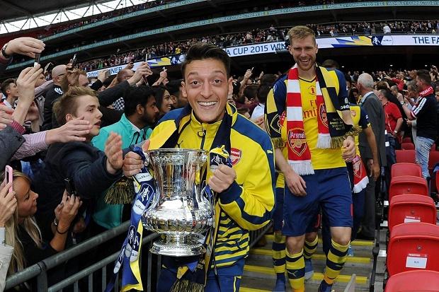 Oezil: Arsenal sẵn sàng 'liều mạng' vì cup FA - Bóng Đá