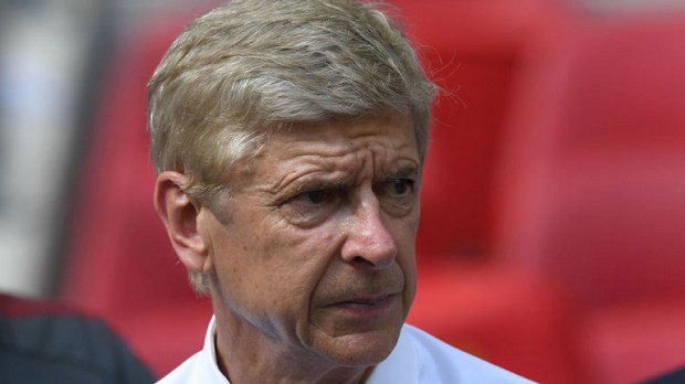 Tương lai của Arsene Wenger từng khiến phòng thay đồ Arsenal 'dậy sóng' - Bóng Đá