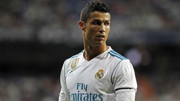 Ở tuổi 32, Ronaldo chưa có dấu hiệu dừng lại - Bóng Đá